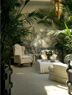 Need Advice On Indoor Gardening? Read On Have you ever wanted to have an indoor garden, but just do not know how to start? Tropical Home Decor, Tropical Houses, Tropical Interior, Tropical Furniture, Patio Interior, Interior Exterior, Luxury Interior, Outdoor Rooms, Outdoor Living