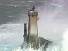 AMAZING!!!! u have to see this one...Lighthouses and waves during VERY stormy weather