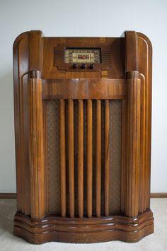 Antique Radio (door RebeccaG08) The Antique Geek