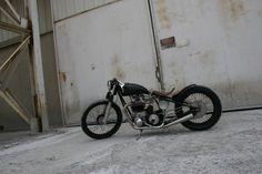 BSA A10 1958 By Atom Bomb Custom    ♠ http://milchapitas-kustombikes.blogspot.com/ ♠
