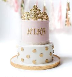 Sparkly DIY cake toppers for wedding or birthdays Crown cake
