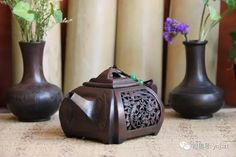 Jianshui pottery, teapot, one of the four famous pottery in China, started from 19th century Qing Dynasty, in Jianshui county Yunnan province.