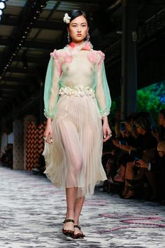 Gucci Ready To Wear Spring Summer 2016 Milan - NOWFASHION