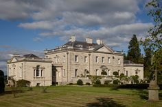 In 2001 the third and present Ferne House (known as Ferne Park) was built to the design of the architect Quinlan Terry, in Palladian style and at a reported cost of Neoclassical Architecture, Classic Architecture, Ancient Architecture, Landscape Architecture, English Manor Houses, English House, Villas, Old Farm Houses, Country Houses