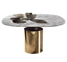 Creso Acerbis Marble Table Creso designed by Lella & Massimo Vignelli for Acerbis is a beautiful Table Decor Living Room, Furniture Dining Table, Round Dining Table, A Table, Dining Room, Marble Furniture, Concrete Furniture, Coffee Table Desk, Massimo Vignelli