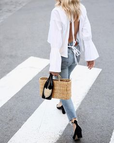 The latest selection of casual fall outfits you can wear everyday this season. More outfit ideas curated every week just for you. Night Outfits, Fashion Outfits, Womens Fashion, Fashion Trends, Fashion Editor, Ootd Fashion, Spring Summer Fashion, Spring Outfits, Spring Style