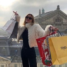 Student Fashion, School Fashion, Nyc Fashion, City Aesthetic, Aesthetic Girl, Aesthetic Collage, Rich Lifestyle, Luxury Lifestyle, Anne Laure