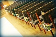 http://floralicious.wordpress.com/ church pews
