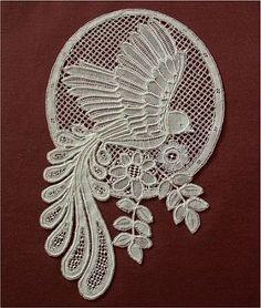 Fimke Janssen / Honiton or duchesse, probably Honiton Form Crochet, Crochet Shawl, Needle Lace, Bobbin Lace, Antique Lace, Vintage Lace, Irish Crochet Patterns, Bruges Lace, Romanian Lace