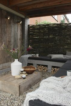 outdoor sitting area