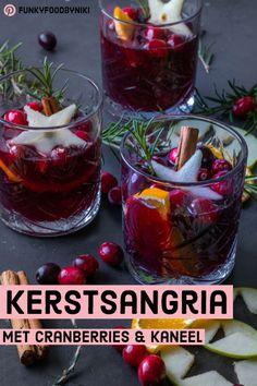 Kerstsangria - FunkyFood by Niki Fancy Drinks, Yummy Drinks, Healthy Drinks, Healthy Recipes, Christmas Food Treats, Christmas Drinks, Vegan Recepies, Easy To Cook Meals, Winter Sangria