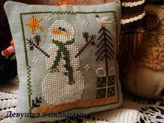 Fallen in love with LHN and CCN patterns: Christmas ornament