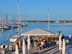 Schirmbar Katamaran Restaurant, Opera House, Sailing, Patio, Outdoor Decor, Travel, Catamaran, Candle, Viajes