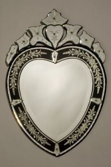 Heartshape Venetian Mirror With Black Crown