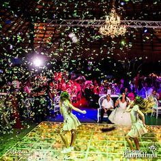Ten en cuenta todos los espacios que necesitarás para tu boda (ceremonia, cócteles, cena y baile). Piense en cómo usar los lugares y terrenos para diferentes propósitos - debe haber un flujo continuo de una parte a la siguiente. Si te casas en el mismo sitio, te ahorrarás varios costos adicionales, como el transporte de un lugar a otro. Fotografía cortesía de Millán Fotografía 👰🏻💖🤵🏻 #OrganizacionDeBodasEnCaliColombia #OrganizaciónDeBodasEnCali #OrganizadoresDeBodasCali