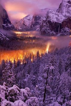 Yosemite National Park, USA, OMG, one of th e most perfect pictures ive seen, the timing
