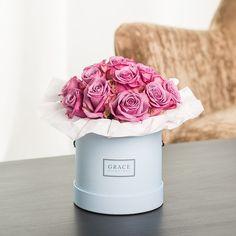 Die Grace Flowerbox in mehreren Flowerbox Farben und verschieden ausgewählten Bouquet Variationen einfach online zusammenstellen mit dem GRACE Konfigurator in nur drei Schritten.