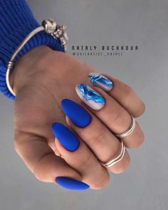 44 Unique Blue Nail Designs, You Will Want to Try as Soon as Possible - - Blue is considered the color of responsibility, loyalty and trust. It's also about being quiet, reserved and confident. Many women like blue nail designs. Classy Nails, Stylish Nails, Elegant Nails, Hair And Nails, My Nails, Bling Nails, Nails Yellow, Red Nail, Blue Nail Designs
