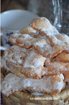 crunchy bugnes from Lyon (without yeast) Beignets, Naan Recipe, Baking Basics, Vegan Banana Bread, Ice Cake, Burger Buns, Rice Recipes, Recipe Using, Snacks