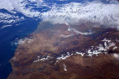 (IT) Ciao #Marocco! La catena montuosa dell'Atlante è una vista  emozionante dallo spazio.