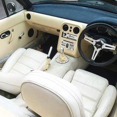 NA interior in white Jdm, Miata Mods, Mx5 Na, Mazda Roadster, Automotive Upholstery, Misfit Toys, Mazda Miata, Luxury Cars, Dream Cars
