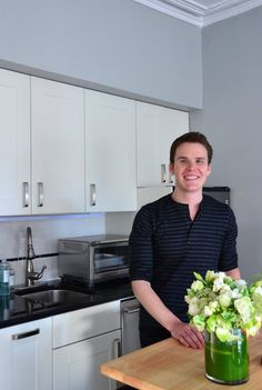 Matt's Just Right New York Studio — Video House Tour | Apartment Therapy