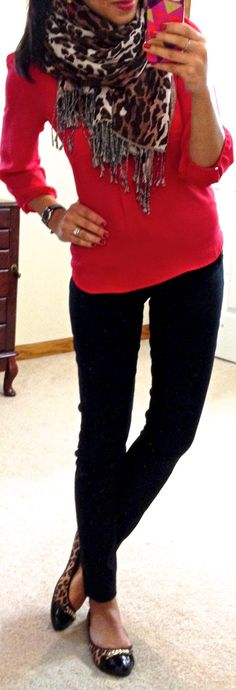 red blouse, leopard print scarf, black skinnies & leopard print flats. Fall look.