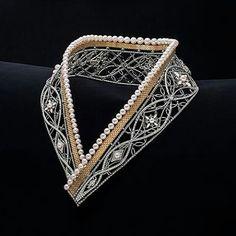 @twentyonejewels. Pearl, gold and platinum necklace, by Kuwayama.
