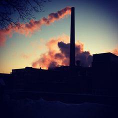 Tehdaspiipuistaan kuuluisa työläiskaupunki, Suomen Manchester. #Tampere