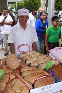 Acabo de compartir la foto de Edgar Asencios que representa a: Panadero