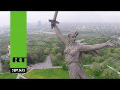 La emblemática estatua de la batalla de Stalingrado a vista de dron