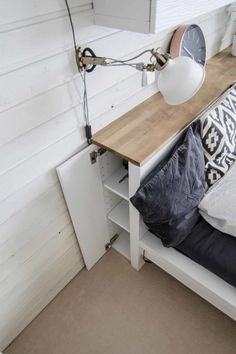 IKEA Malm dresser turned into a stylish storage headboard with a wooden top - Ikea DIY - The best IKEA hacks all in one place Ikea Storage Furniture, Furniture Hacks, Headboard Hack, Ikea Storage, Diy Ikea Hacks, Headboard Storage, Diy Furniture Bedroom, Ikea Malm Dresser, Ikea Headboard