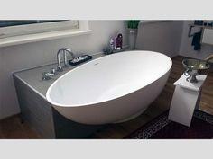Freistehende Badewanne Campione. Badewanne freistehend. Badezimmer Ideen. Hier klicken für weitere schöne Bäder -> http://ift.tt/2skCxfW #badewanne #badezimmer #Bädermax