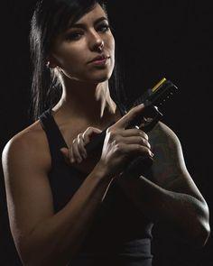 Chicano, Alex Zedra, Mujeres Tattoo, Wubba Lubba, Gunslinger Girl, Female Soldier, Female Assassin, Warrior Girl, Military Women