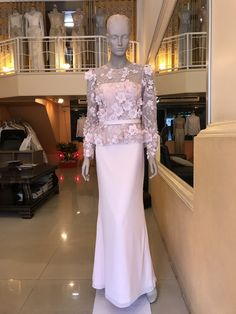 Thai dress has sleeves. Newly applied Thai dress with long sleeves. Hot Pink Dresses, Prom Dresses, Formal Dresses, Dress Brokat, Thai Dress, Smart Women, Gowns Of Elegance, Formal Wedding, Hijab Fashion
