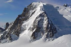 Mont Blanc du Tacul by Santi RF, via Flickr 4 Hours up about 20 mins down :-) Great Works Of Art, Ski Touring, Chamonix, 4 Hours, Climbing, Mount Everest, Skiing, Frozen, Spaces