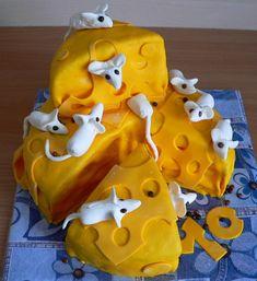 Každý rok vymýšlím tvar dortu pro své děti k narozeninám... a protože Nika je druhá v pořadí a syn je o deset let starší, znamená to, že jsem do dnešního dne vyrobila přibližně devětadvacet dortů a každý byl jiný.... letos jsem si inspiraci vzala u paní Zuzany na mimibazaru. Gingerbread Cookies, Cake, Desserts, Gingerbread Cupcakes, Tailgate Desserts, Ginger Cookies, Deserts, Mudpie, Dessert