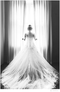 dreamy beautiful wedding dress, click for photos of the details