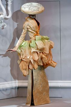 Viviane Orth at Christian Dior Haute Couture Spring 2007 by John Galliano.