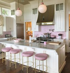 Maybe in my next life I will have a pink kitchen 🎀💗 Home Decor Kitchen, Kitchen Interior, Home Kitchens, Kitchen Dining, Kitchen Colors, My New Room, House Rooms, Home Decor Accessories, Cheap Home Decor