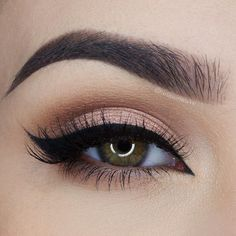 soft peach smokey eye with winged liner ~  we ❤ this! moncheribridals.com