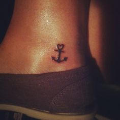 I'd love to have a small tattoo like this.