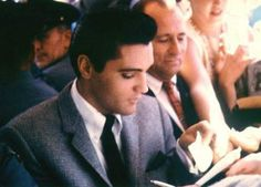 Elvis in september 13 1962 on the set of his movie ( It happened at the world's fair.