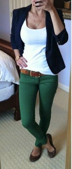 Love the color and style of the pants! This is something I would definitely wear to work