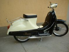 TÖRTÉNELMI KALEIDOSZKÓP...: Csepel Panni R50 1959 felújítása Triumph Motorcycles, Cars And Motorcycles, Rc Cars, Sport Cars, Chopper, Vespa Vintage, Scooters, Ducati, Mopar