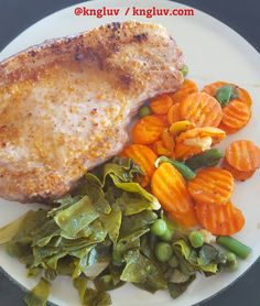 Pork chop carrots with fresh spinach and peas from my garden #freshveggues kngluv.com