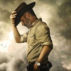 The Walking Dead dizisinde Rick Grimes'a ne olduğu ortaya çıkmaya başlıyor The Walking Dead Saison, The Walking Dead Poster, The Walk Dead, Walking Dead Season 9, Walking Dead Zombies, Fear The Walking Dead, Rick Grimes, Judith Grimes, Andrew Lincoln