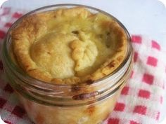 Vegetarian pot pies! And best of all it is made in a mason jar <3