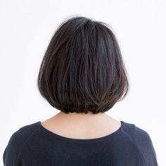 スタイリング次第でカジュアルにも、女らしくもなる2WAYボブ|Marisol ONLINE|女っぷり上々!40代をもっとキレイに。 2way, Hair Cuts, Hair Beauty, Haircuts, Hair Cut, Hairstyles, Hair Style, Hairdos
