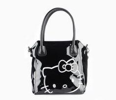 Hello Kitty Tote Bag: Chic Travel
